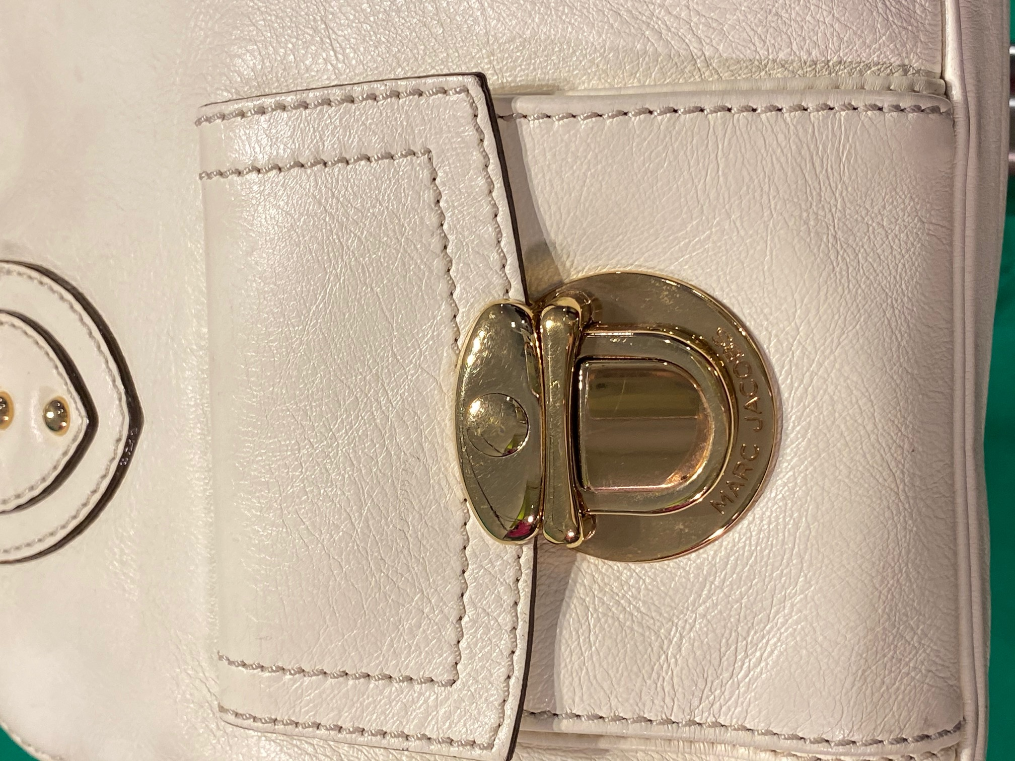 Henkeltasche Leder cremeweiß mit Gold Marc Jacobs 1